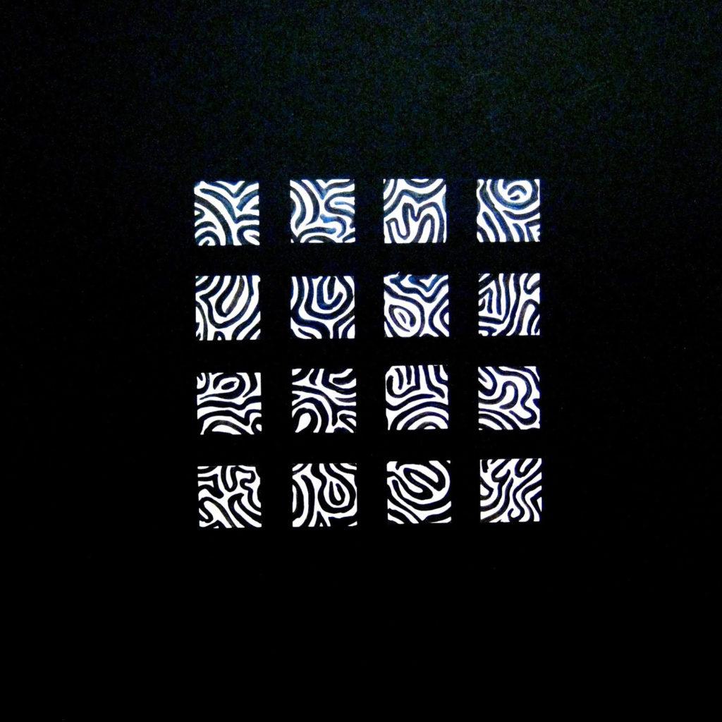 Serial carré 28